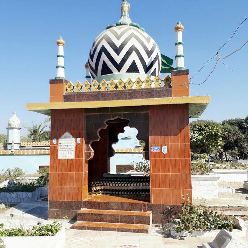 خلیفہ اعلی حضرت مولانا عمرابوبکر پوربندر