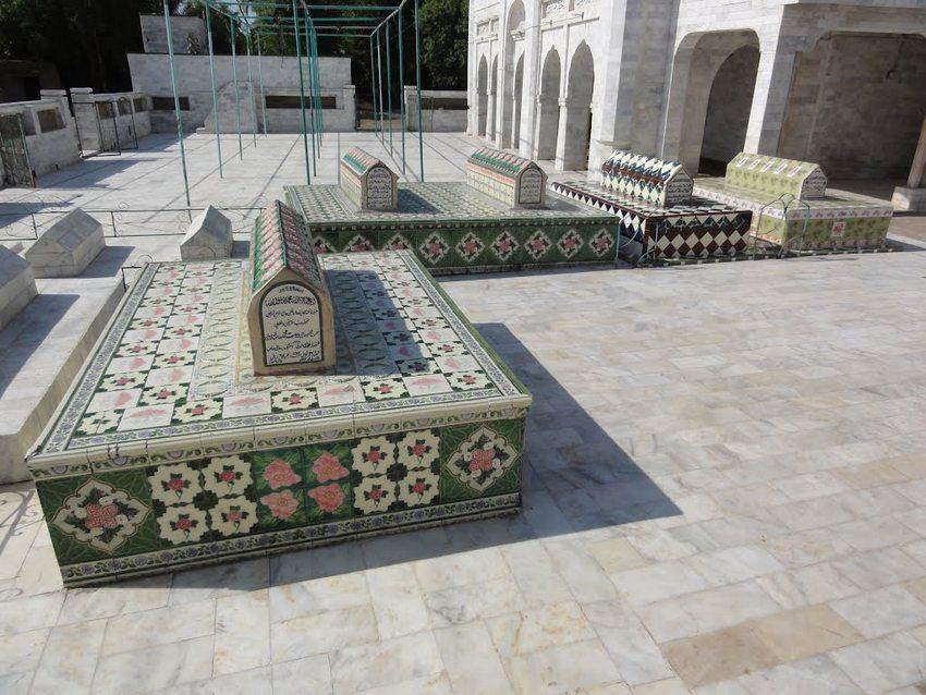 مزار شریف حضرت خواجہ حاجی دوست محمد خان قندھاری مُجدّدی ۔ امیج نمبر 6
