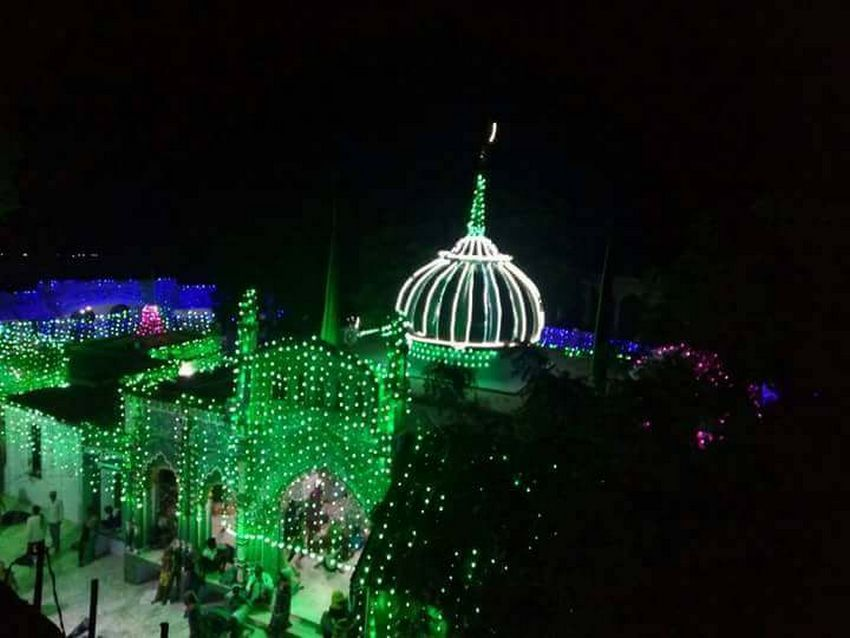 مزار شریف حضرت سیّد شاہ عبدالرّزاق قادری بانسوی ۔ امیج نمبر 2