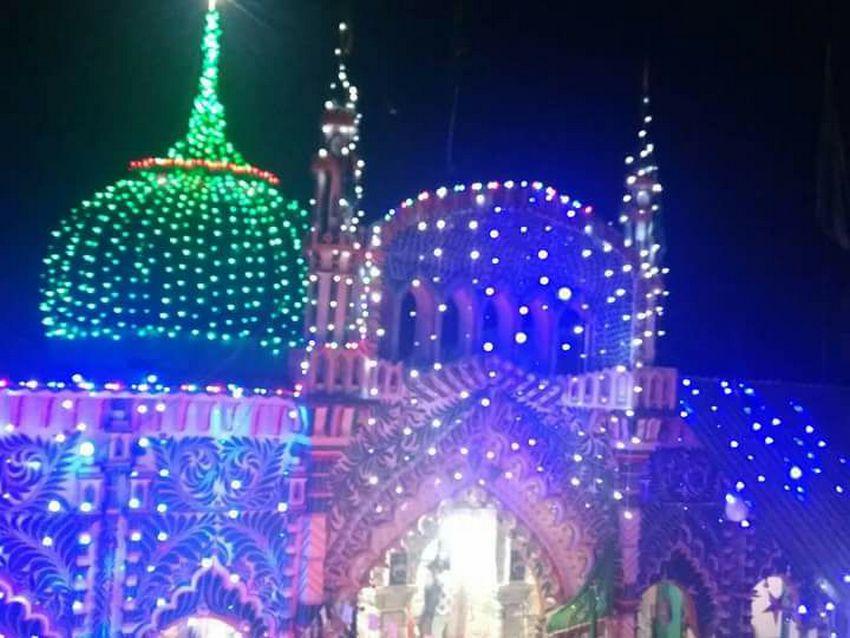 مزار شریف حضرت سیّد شاہ عبدالرّزاق قادری بانسوی ۔ امیج نمبر 3