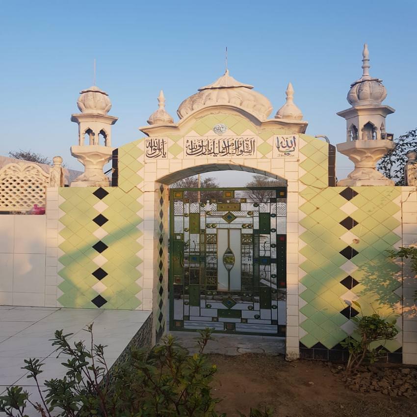 مزار شریف حضرت مولانا حافظ محمدنورعالم چشتی