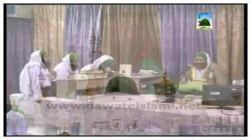 Doran e Safar Ajnabiya Kay Sath Khana Peena Kaisa?