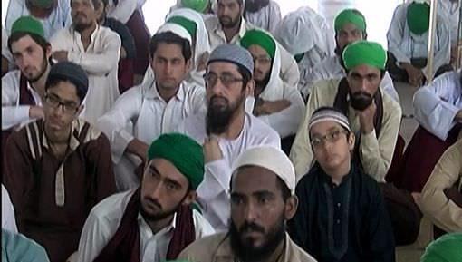 Halal Rizq Kamanay Wala Ghareeb Aur Haram Kamanay Wala Ameer