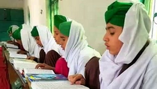 اتقان الإمام أحمد رضا خان رحمه الله تعالى للقرآن في طفولته
