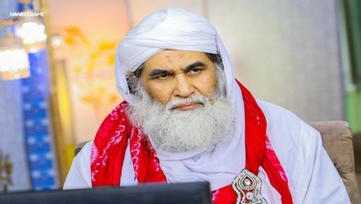 حضرت مولانا قاری عرفان المصطفیٰ ضیائی صاحب کی علالت پر امیرِ اہلسنت دامت برکاتہم العالیہ کی عیادت